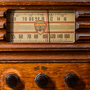 old fashioned short wave radio