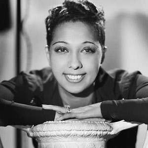 Studio photo of Josephine Baker taken in 1940