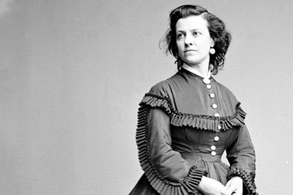 Black and white photo of Pauline Cushman, circa 1860